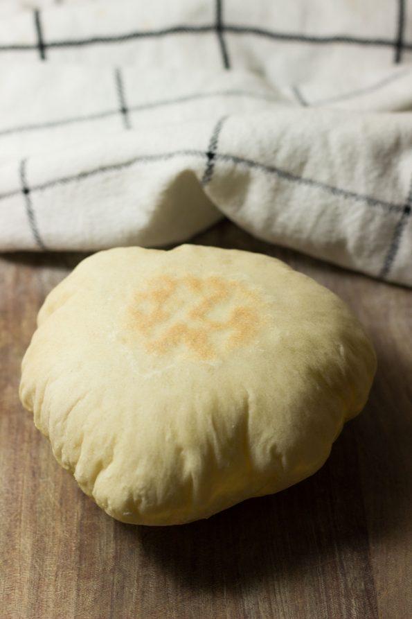 Pita_bread_1