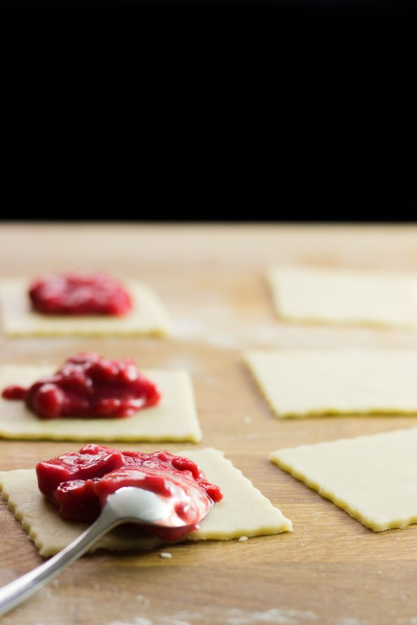 rhubarb_strawberry_pockets_4