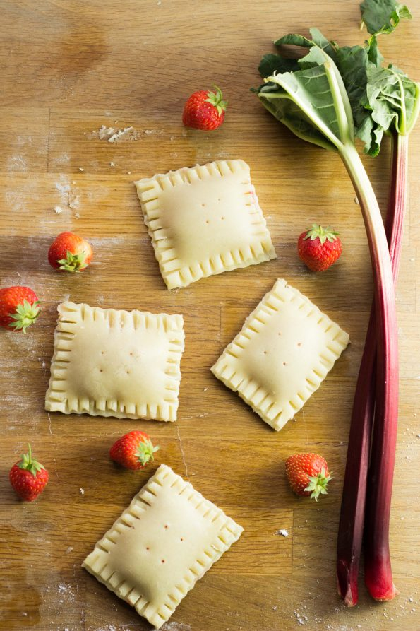 rhubarb_strawberry_pockets_6